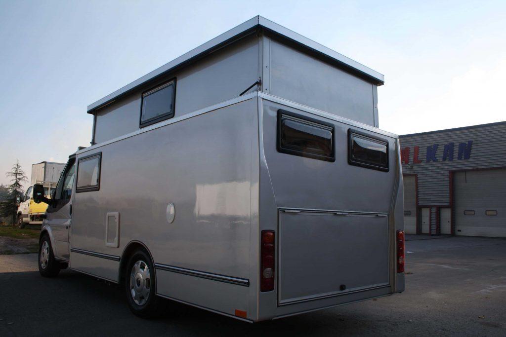 mobil karavan 2